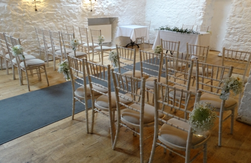 Simple can be so effective. A lovely delicate woodland theme for an intimate wedding.