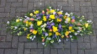 4ft Double ended Spray in Mixed flowers in spring colours