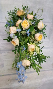 Wired Shower Bouquet in lemon and blue